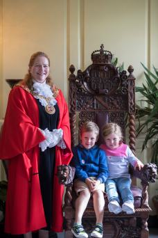 Winchester's Mayor in 2016 - Jane Rutter - at Abbey house with two young visitors
